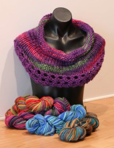 Super Chunky Peeper Cowl Pattern