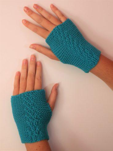 Garter Glovelett – Free Pattern